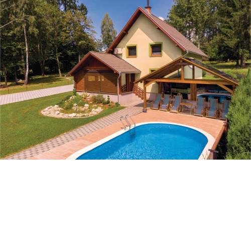 Three-Bedroom Holiday Home in Brestovac