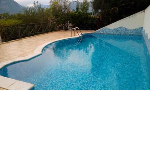 Two bedroom apartment in Kotor with swimming pool