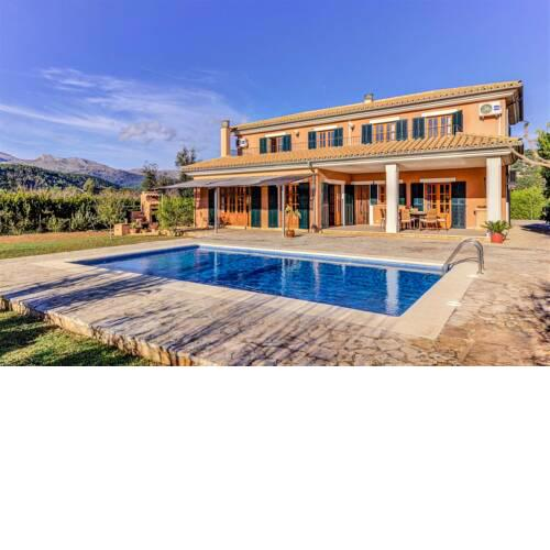 Ullaro Villa Sleeps 8 with Pool and Air Con