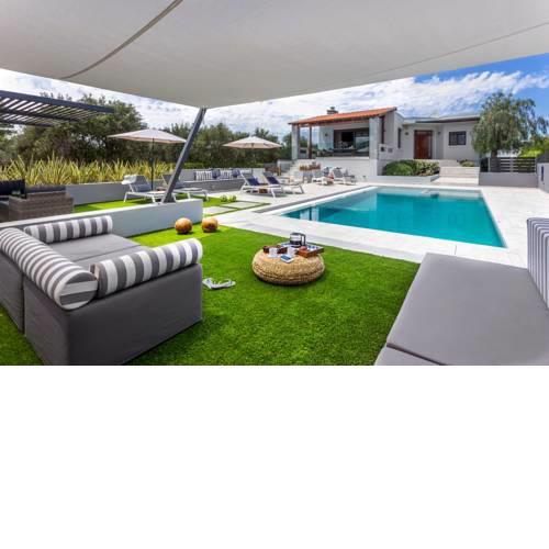 Villa Ampelaki - with heated pool