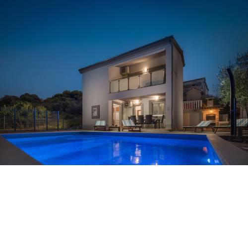 Villa Calma with Swimming Pool