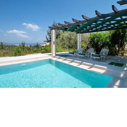 Villa in Kambia Sleeps 7 with Pool and Air Con