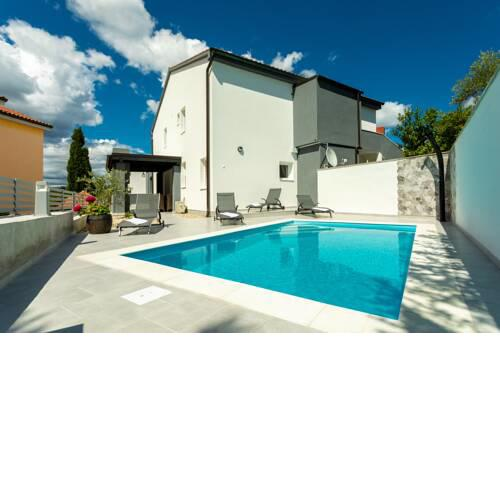 Villa Ivka with private pool