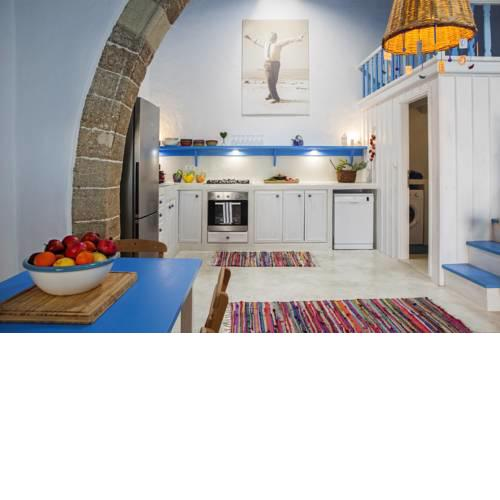 VILLA KEFI,a cozy place with vibrant colours