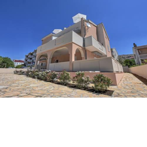 Villa Magena - Luxury Apartments in Pag Center