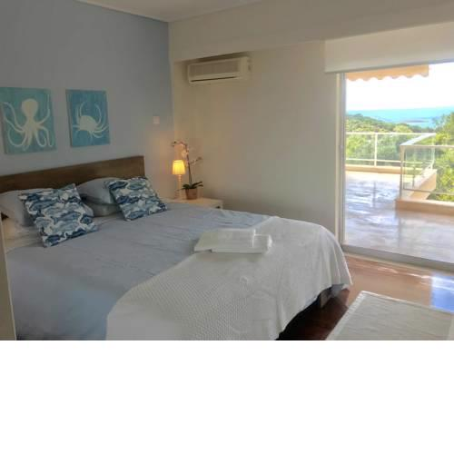 Vouliagmeni Sea and Sun Apartment
